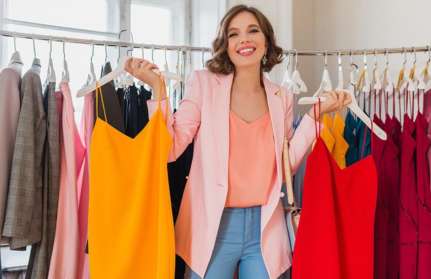 Включите цвет: Главные оттенки вечерней моды лета 2021