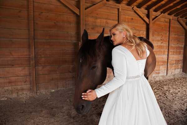 Советы по выбору свадебного платья большого размера