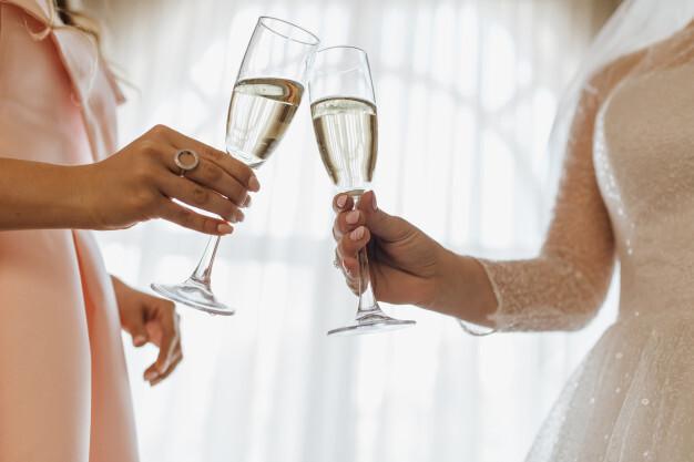Три развенчанных мифа о свадебных платьях