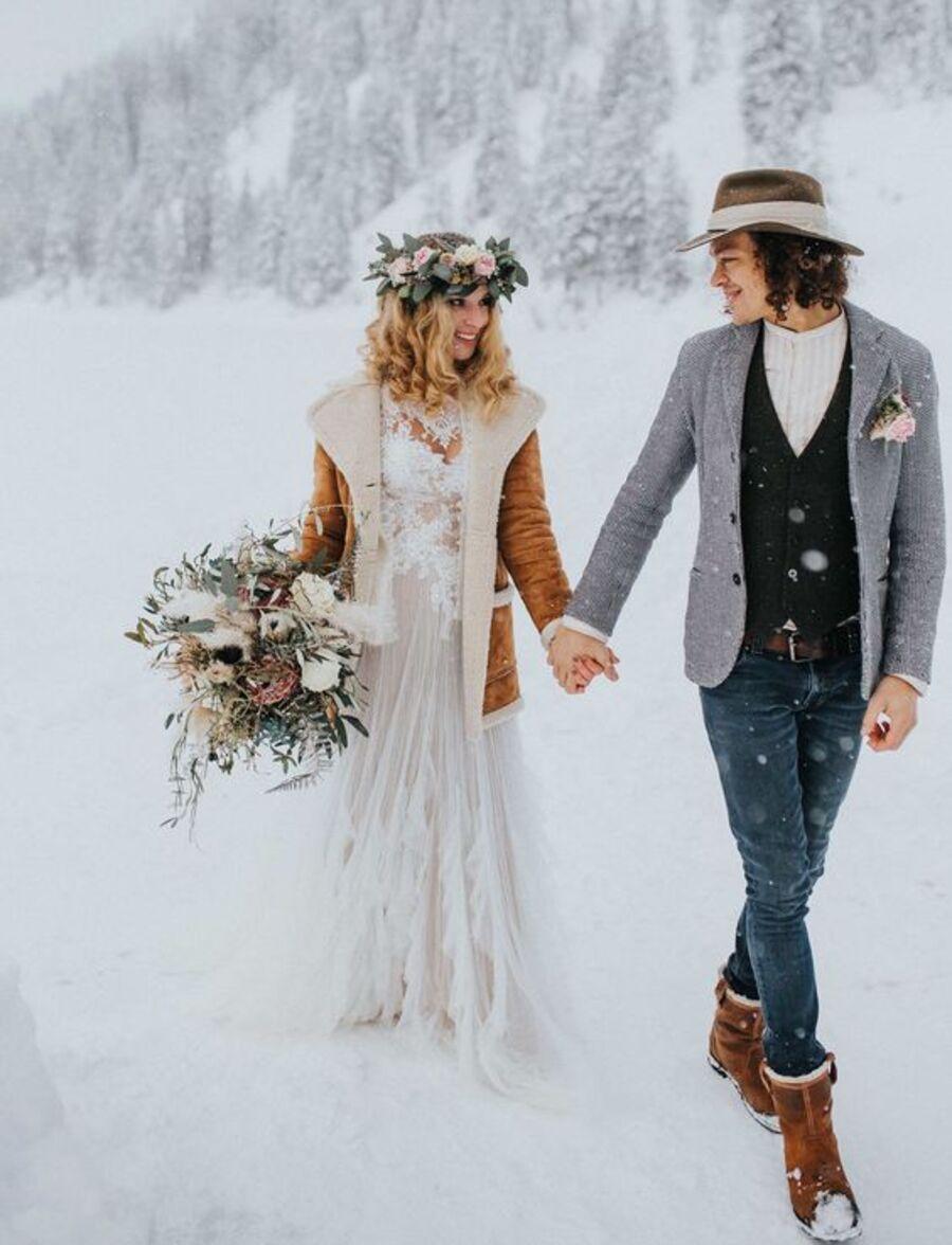 Зимний свадебный наряд в стиле бохо