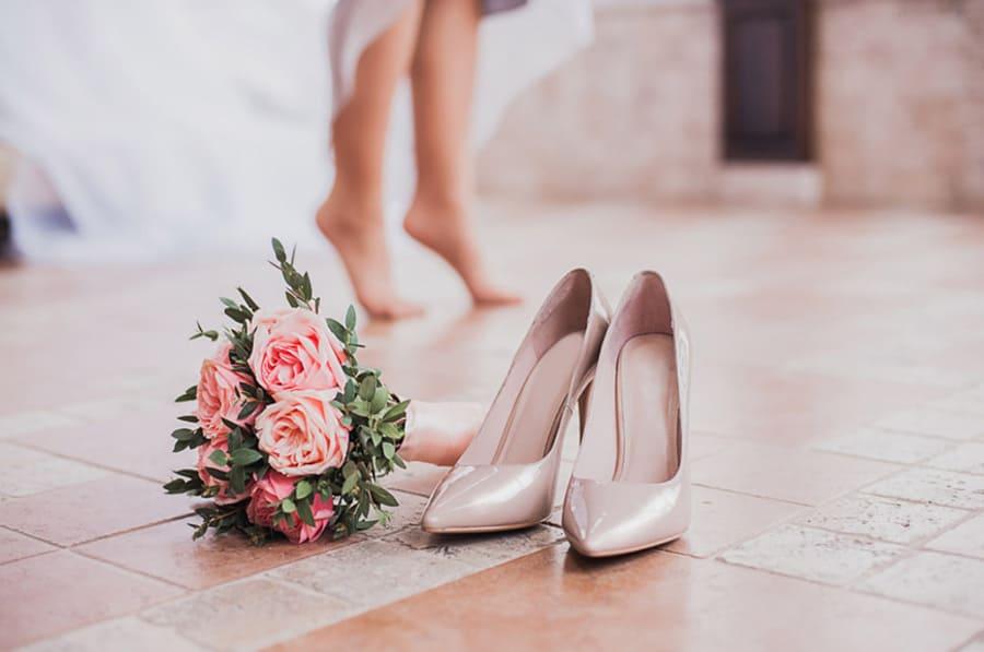 Свадебная обувь: Заранее разносит свадебную обувь